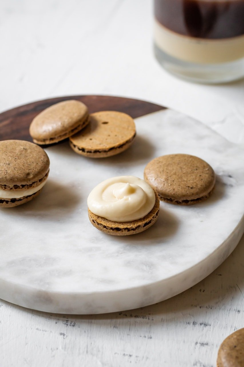 filling on a macaron cookie