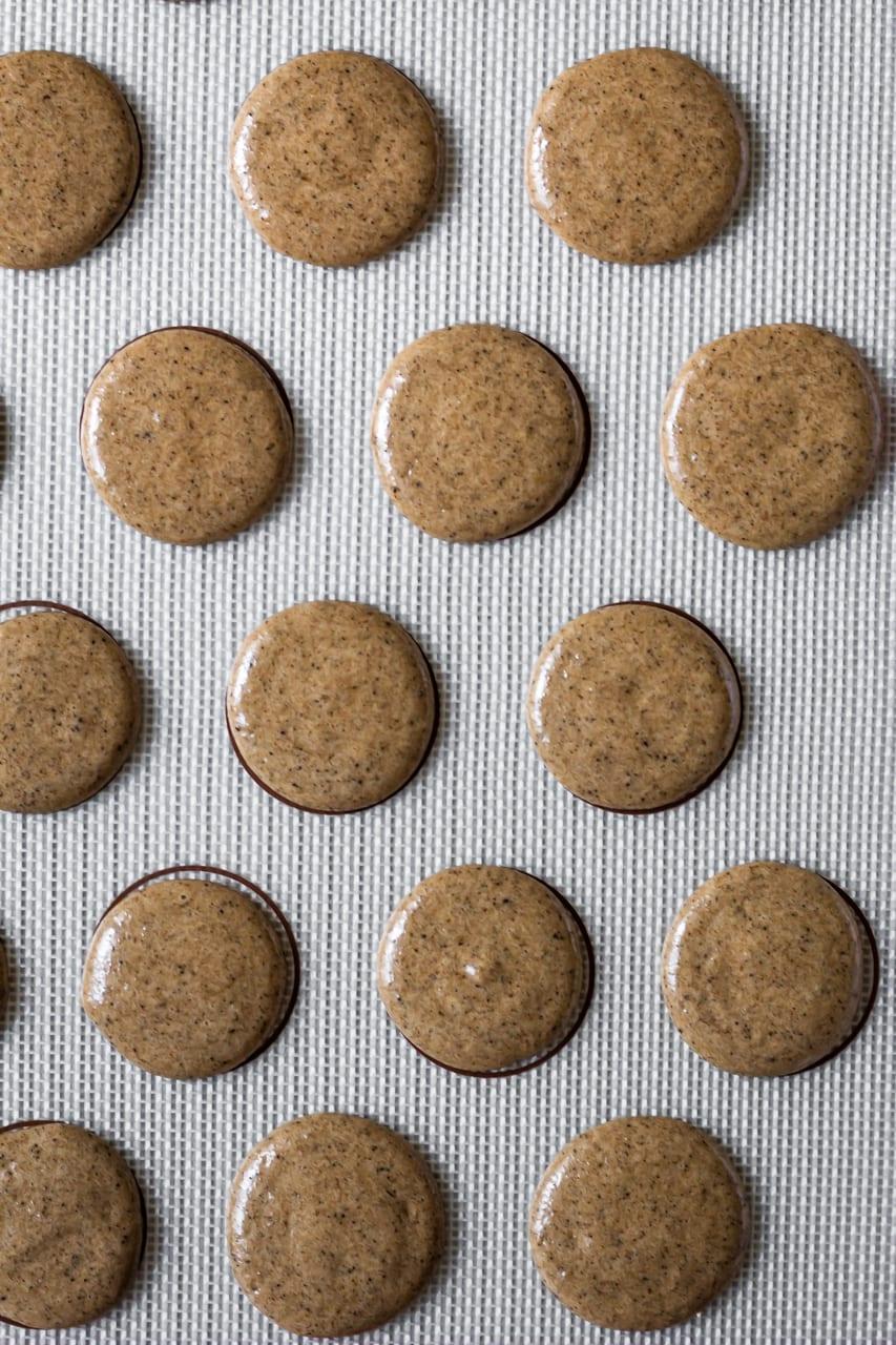 macarons before baking