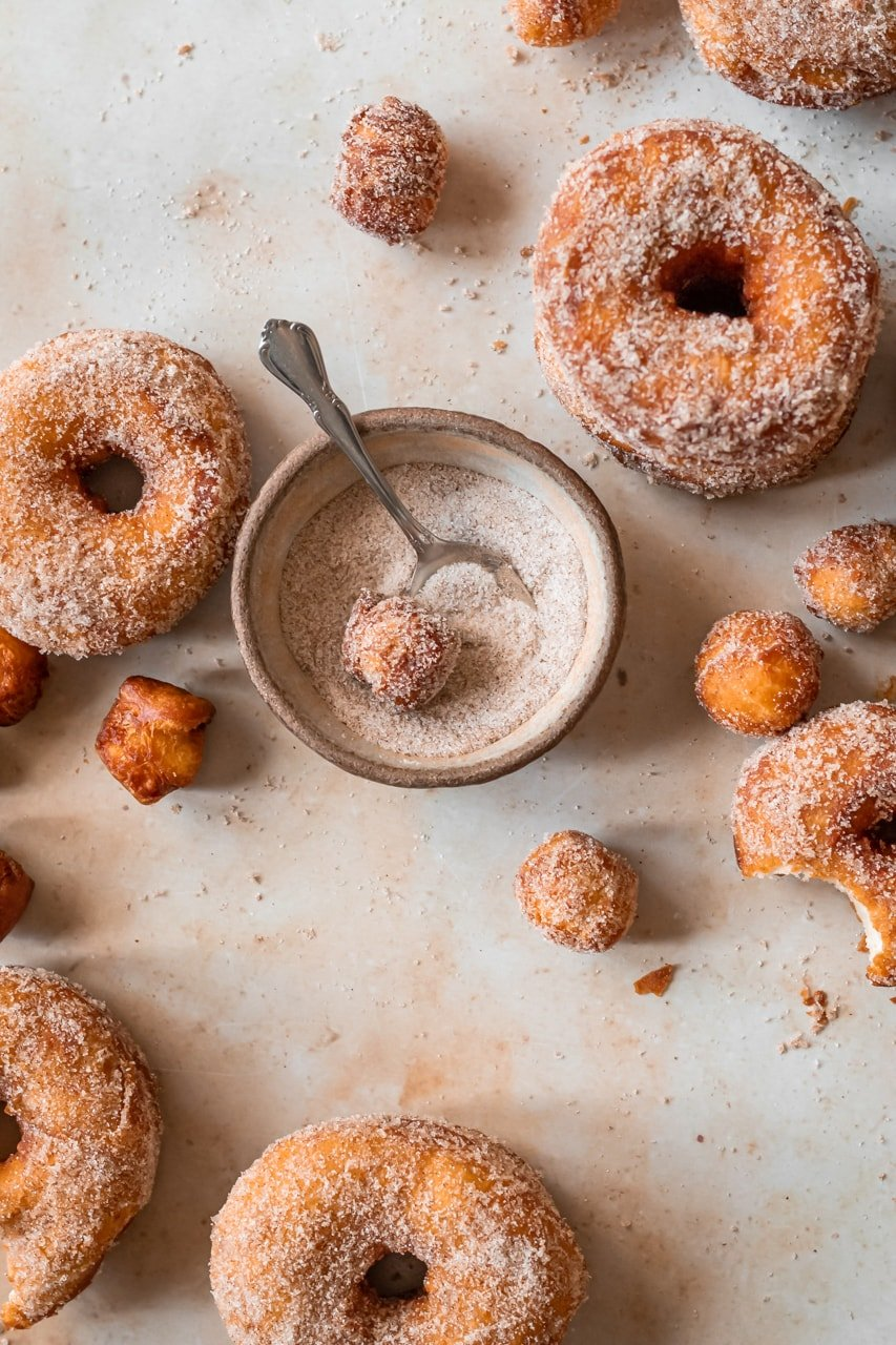 pumpkin spice biscuit donuts