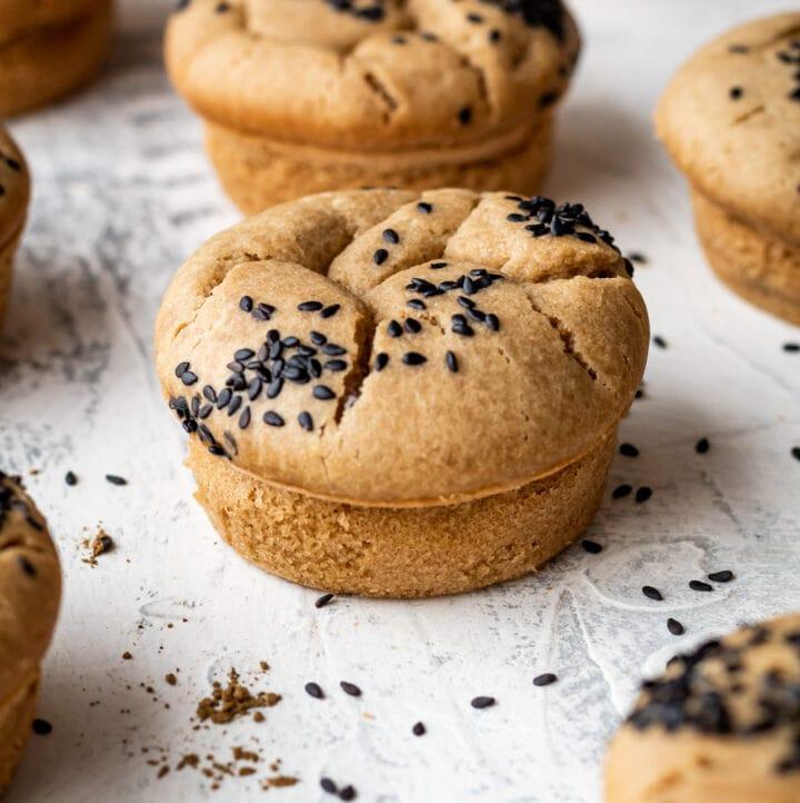 hojicha mochi muffins