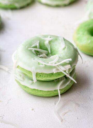 pandan mochi donuts
